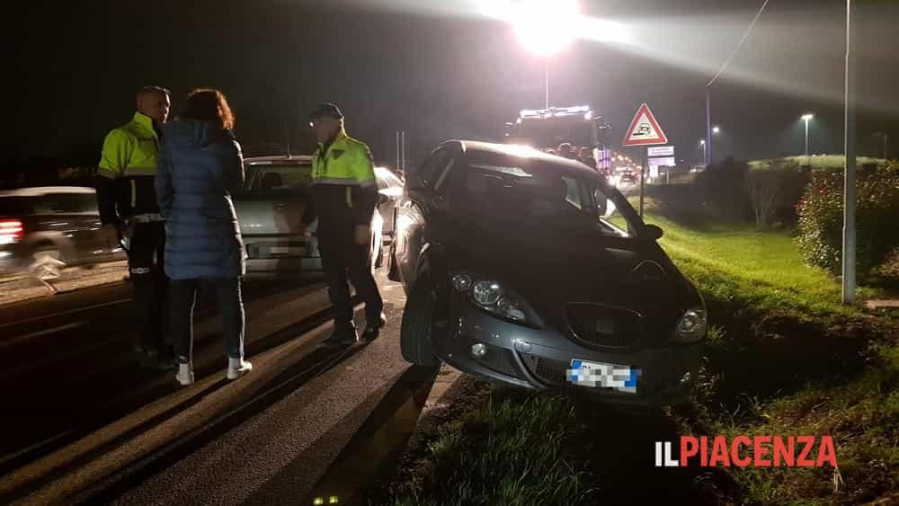 Falciata mentre soccorre un automobilista, grave una ragazza-5