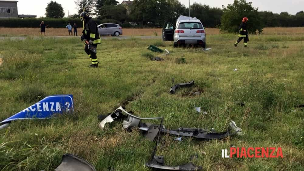 incidente rotonda san bonico 00-2