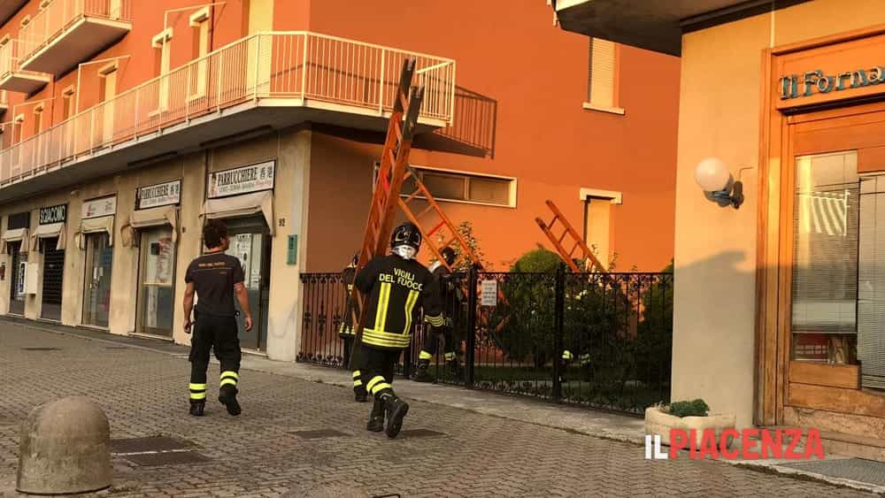 uomo caduto balcone via veneto 04-2