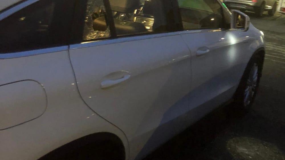 auto finestrino rotto-2