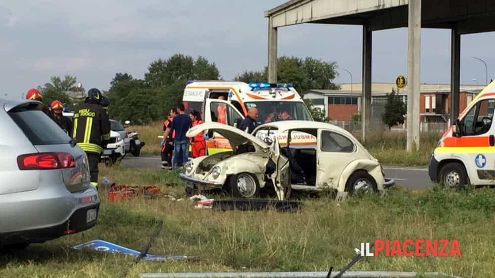 incidente rotonda san bonico 04-2