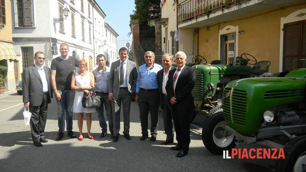 Foto di gruppo: ultimo a destra il sindaco di Pont de l'Isere-3