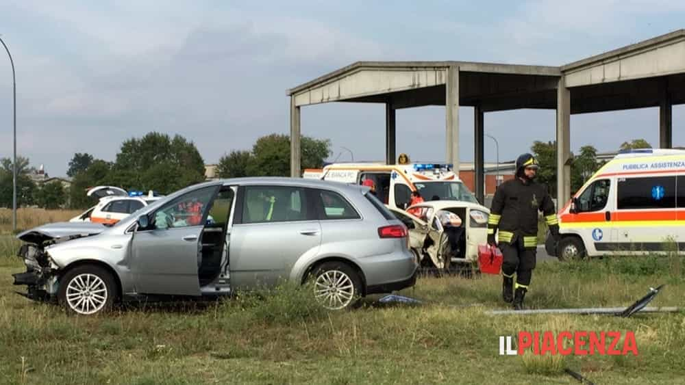 incidente rotonda san bonico 05-2