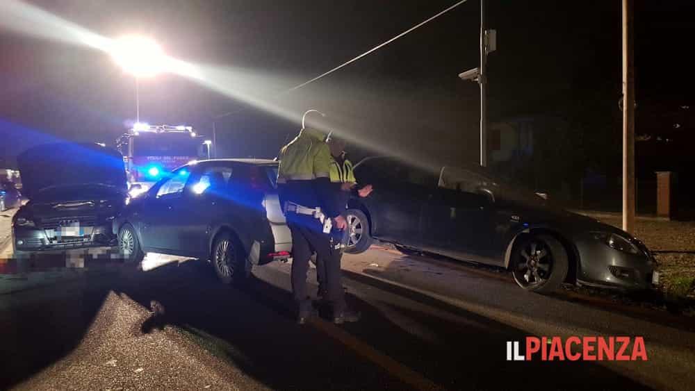 Falciata mentre soccorre un automobilista, grave una ragazza-4