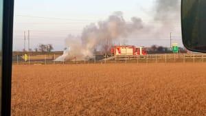 Auto in fiamme in A1, vigili del fuoco al lavoro-5