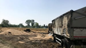 carcassa camion fiamme incendio rottofreno 2019-4