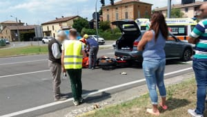 incidente auto moto 2020-5