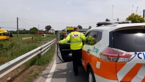incidente auto ribaltata monticelli 06-2