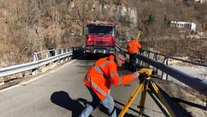 ponte lenzino statale 45 ok 2019 camion mezzo pesante-3