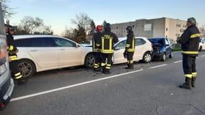 Alseno 03 12 2019 Schianto fra tre auto, due donne ferite: una è grave-3