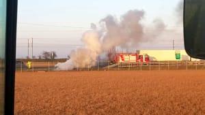 Auto in fiamme in A1, vigili del fuoco al lavoro-3