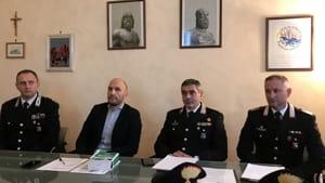 Da sinistra: il maggiore Stefano Bezzeccheri, il sostituto procuratore Matteo Centini, il colonnello Stefano Savo e il luogotenente Marco Dubrovich-2