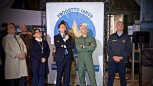 il presidente del consiglio, il ministro della difesa, il capo di stato maggiore della difesa a Pratica di Mare-3