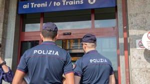 polizia-controlli-stazione-agenti-giorno