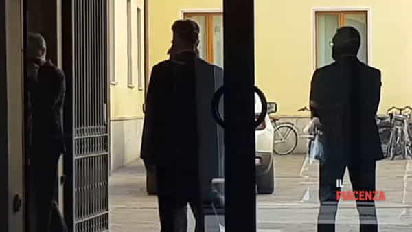 L'arrivo del Klimt nel caveau della Banca di Piacenza sotto scorta