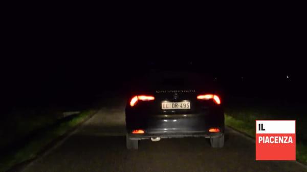 Speronano un automobilista per scappare dai carabinieri, è caccia ai ladri