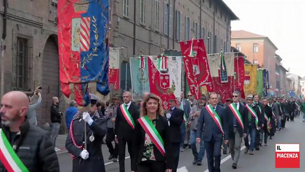 La grande sfilata degli alpini a Piacenza