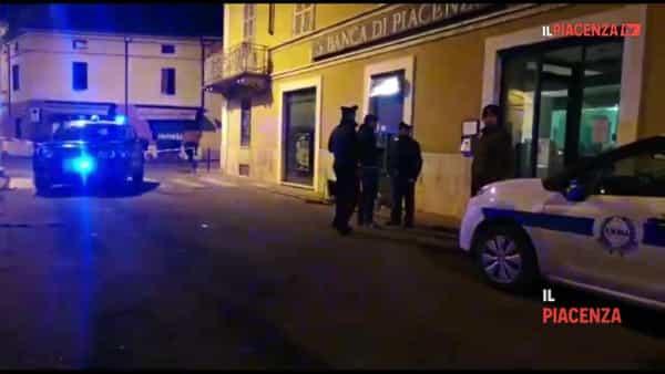 Monticelli e Fiorenzuola: fatti esplodere due bancomat
