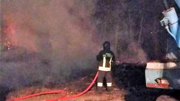 Incendio Veleia notte 10 03 2019-3