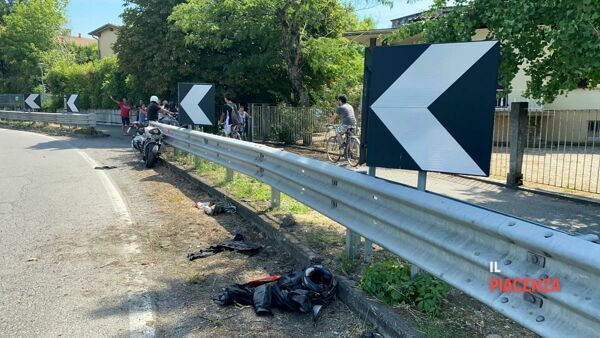 incidente moto castelvetro 02-3