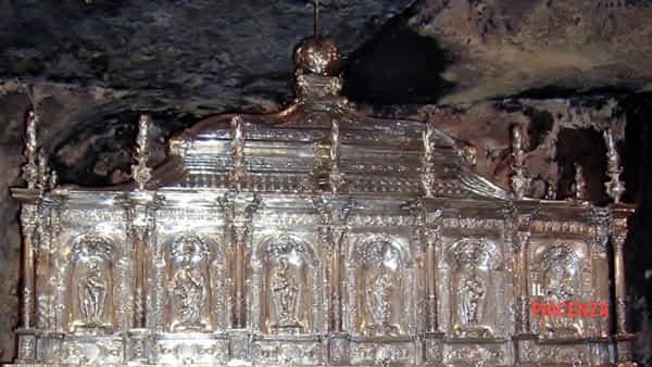 3 arca di NOTO contiene il copro di S-2