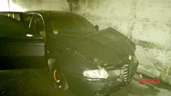 auto incendiata peep 02-3