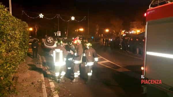incidente bobbio macchina ribaltata 15 dicembre 05-2