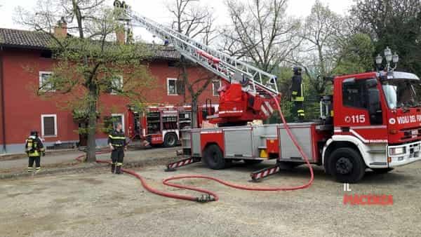incendio tavernago 03-3