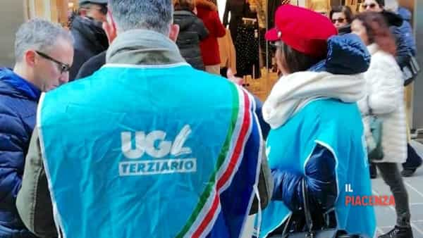 h&m piacenza protesta sindacato 00-2