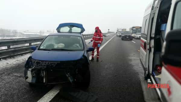 incidente autostrada neve ghiaccio 05-2