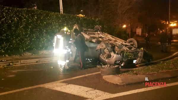 incidente bobbio macchina ribaltata 15 dicembre 04-2