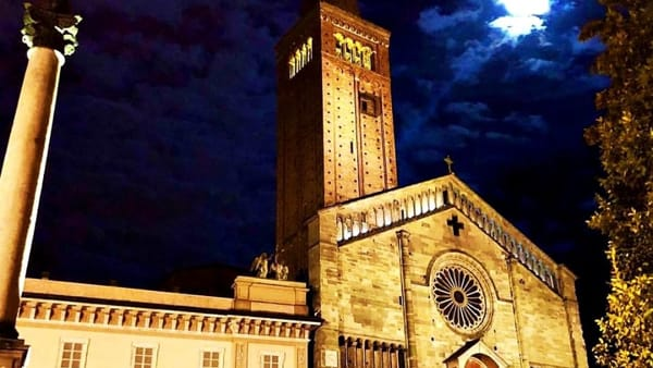 Piazza Duomo, Carmina Burana a cielo aperto