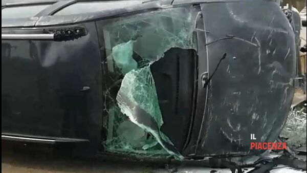auto ribaltata incidente settima 01-2