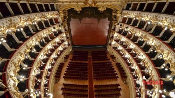 """Teatro Municipale,  """"Il sordo - sogno d'amore in una notte di San Silvestro"""""""