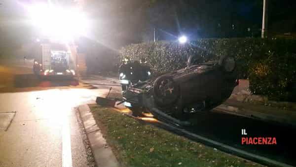 incidente bobbio macchina ribaltata 15 dicembre 01-2