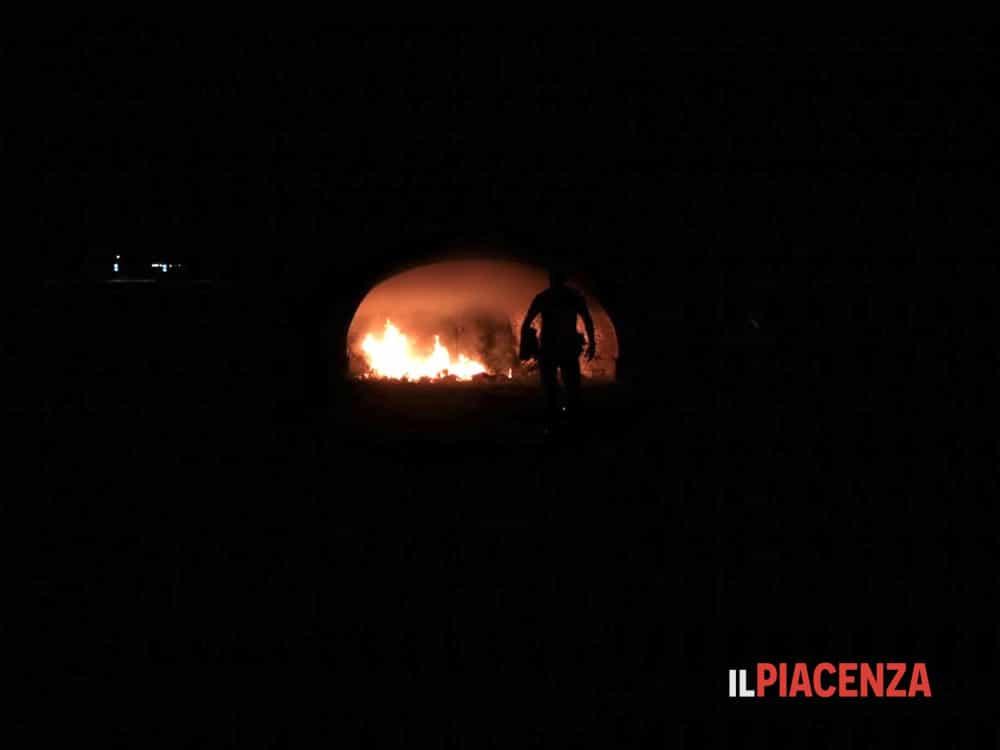 Incendio di via XXI aprile, l'assessore Sgorbati: «Fatto gravissimo»