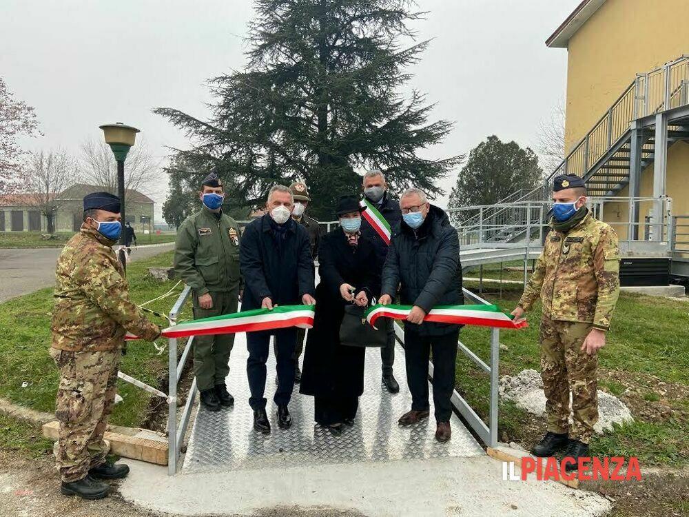 Inauguratala piattaforma elevatrice che la ditta Bolzoni ha donato all'Ausl di Piacenza