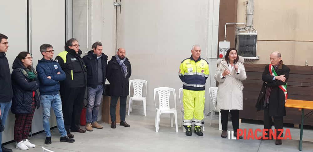Gazzolo inaugura capannone Villanova sull'Arda-2