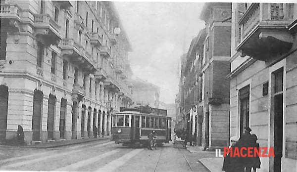 via Cavour 1920-2