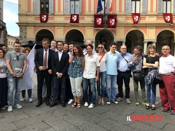 di maio pugni piazza cavalli-3